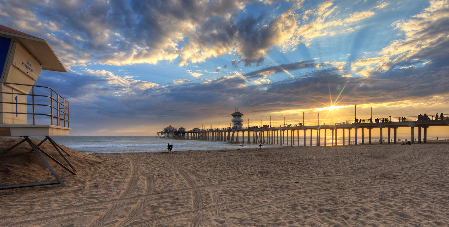 View of Huntington Beach pier from surfcityusa.com