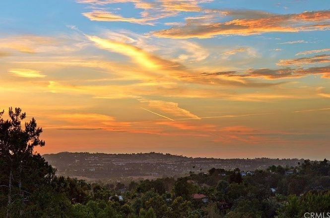Photo of sunset over Laguna Hills from redfin.com