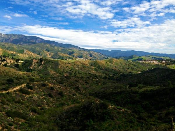 Beautiful photo the hills of Aliso Viejo from  thetenantbase.com
