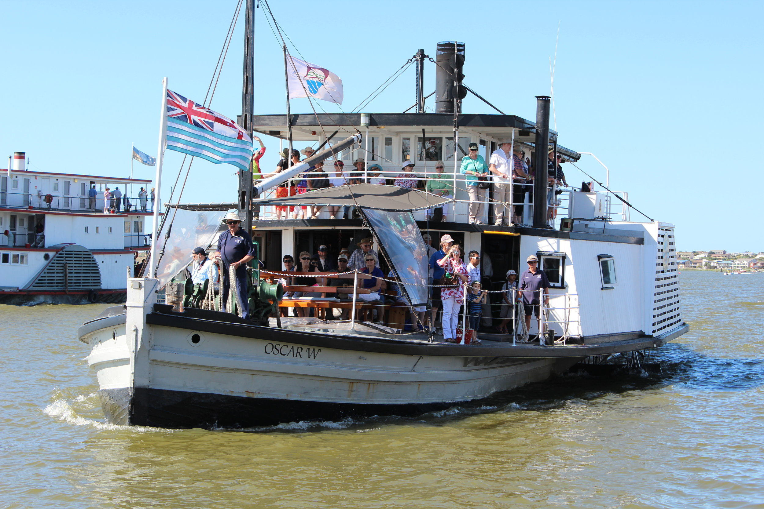 PS Oscar W Goolwa's authentic paddlesteamer