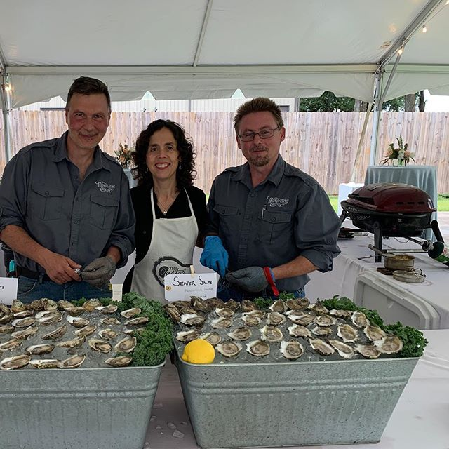 We had a great time #shucking and #grilling up some premium farm-raised oysters - Cedar Points and Semper Salts were on the menu for tonight's wedding reception. . Thanks to @chefwillhughes @belforestpointe @wedwithstyle for a great evening with some serious oyster fans! . Give us a holler for your reception or party! 🐚🎉 . #sustainable #oysters  #sempersalts #cedarpoints #wedding #party #partyideas #reception #mobilebay