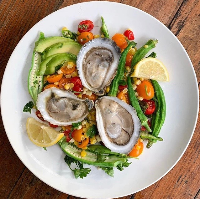 Looking for ideas for your next soirée or reception? Y'all check out these beautiful bivalves from @taboysters! . Grown by the Mercer family in the waters of Wakulla County, these are sure to be a crowd pleaser! . Let us know if you have any specific requests for oyster varieties - y'all have THREE coasts to choose from! . 👀 our website at link in profile for more info on how to book us for your next event! . 📷: @taboysters .  #oysters #partyideas #mobilebay #wedding #party #oysterbar