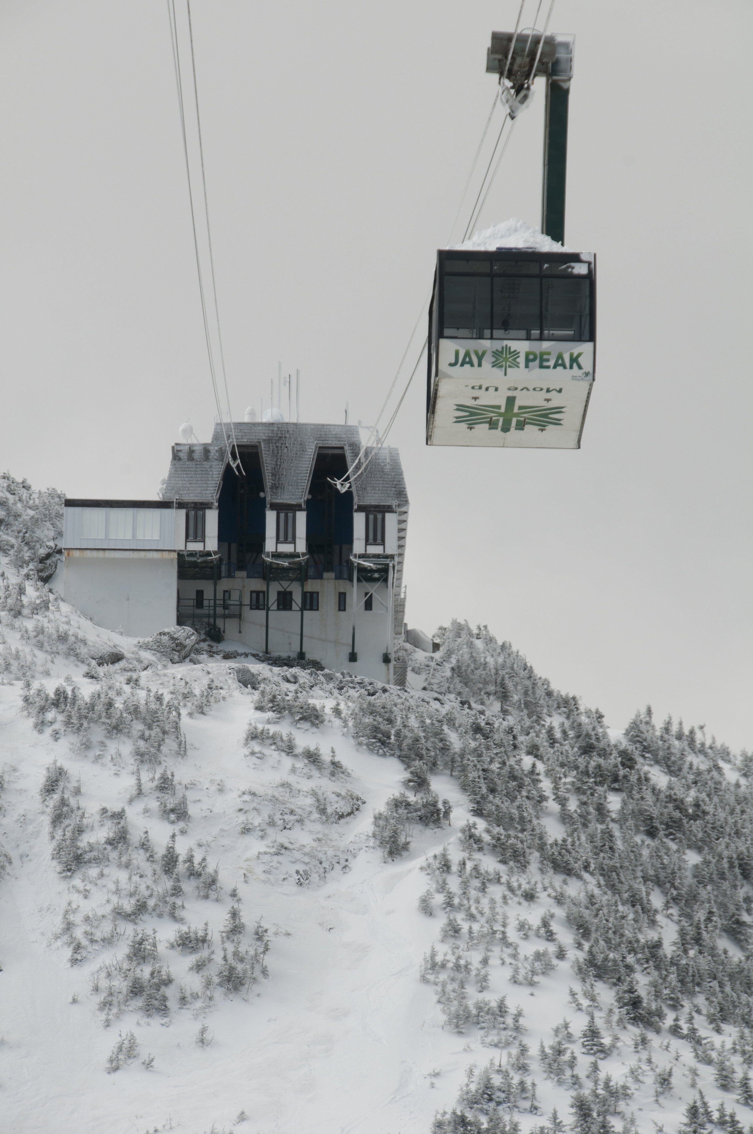 The Jay Peak tram with the Face Chutes underneath.