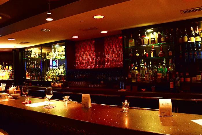 artmore-hotel-bar