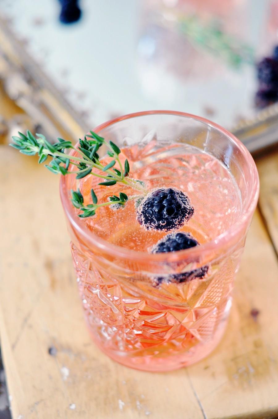blackberry-thyme-cocktail_3.jpg