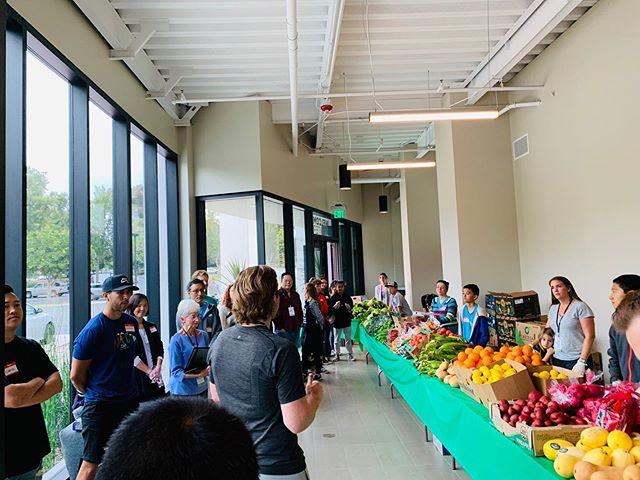 Free farmer's market for families & elderly in need. This Saturday @marinerschurch resource center 12:30 pm. To volunteer or donate www.TheFreePantry.com #donate #prayers #volunteer #marinerschurch #resourcecenter #saifonthehealingchef #trueseasonskitchen #vegfreshfarms