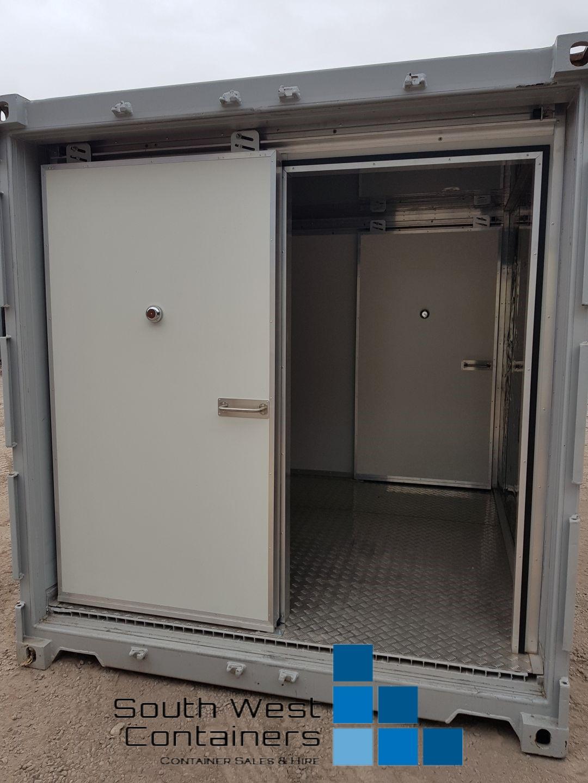 20ft Reefer With Doors Removed - Sliding Easy Door 5.jpg