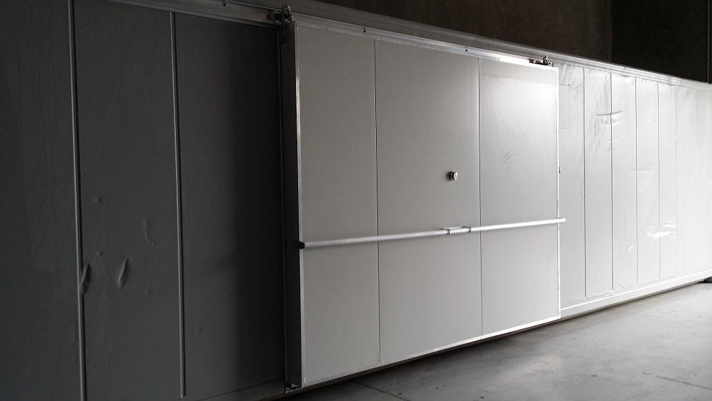 40ft Reefer with 3m Side Sliding Door - Closed.jpg