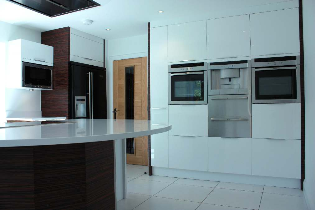 Modern Gloss White Kitchen - Oxfordshire