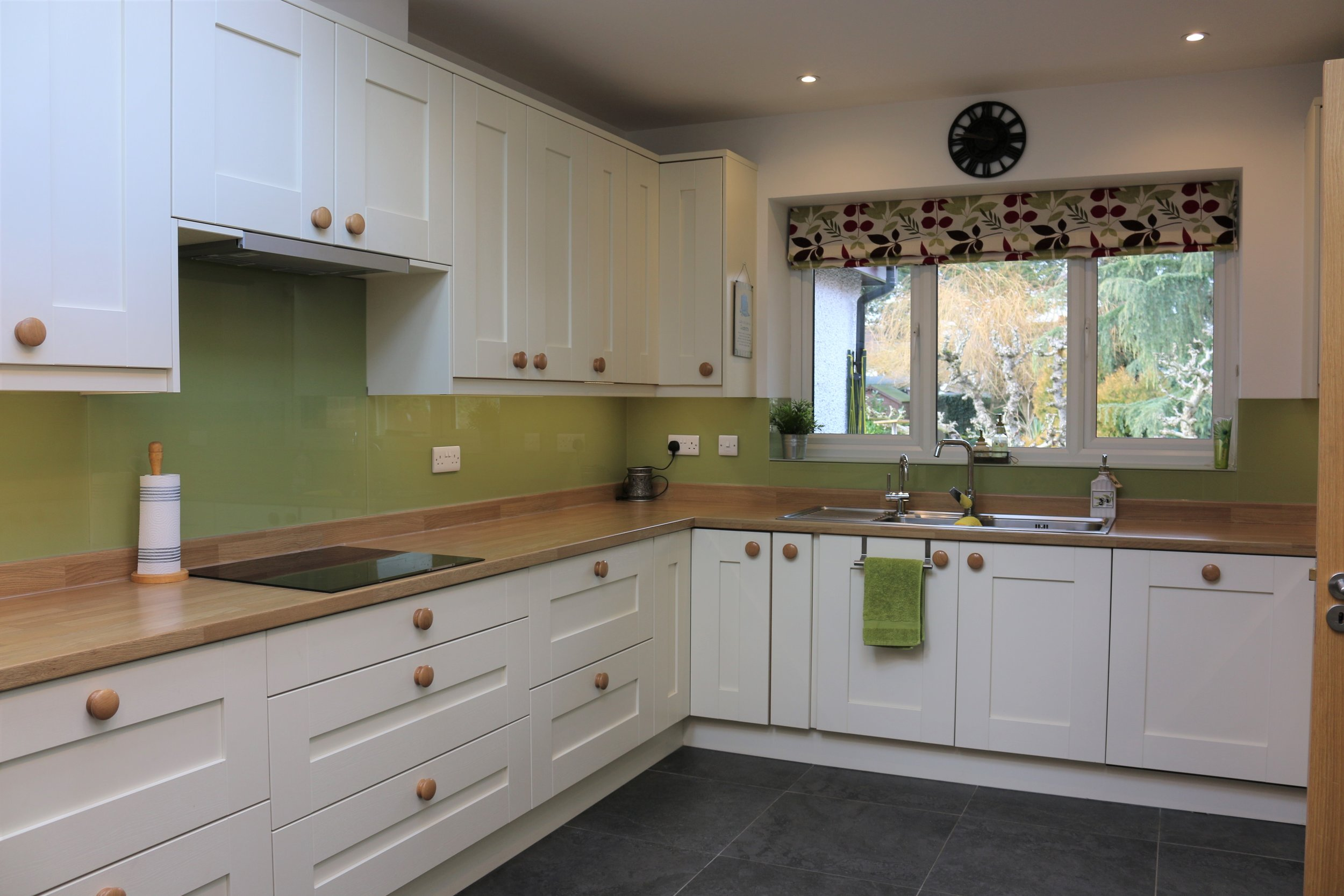 Milbourne Alabaster Shaker Kitchen - Berkshire
