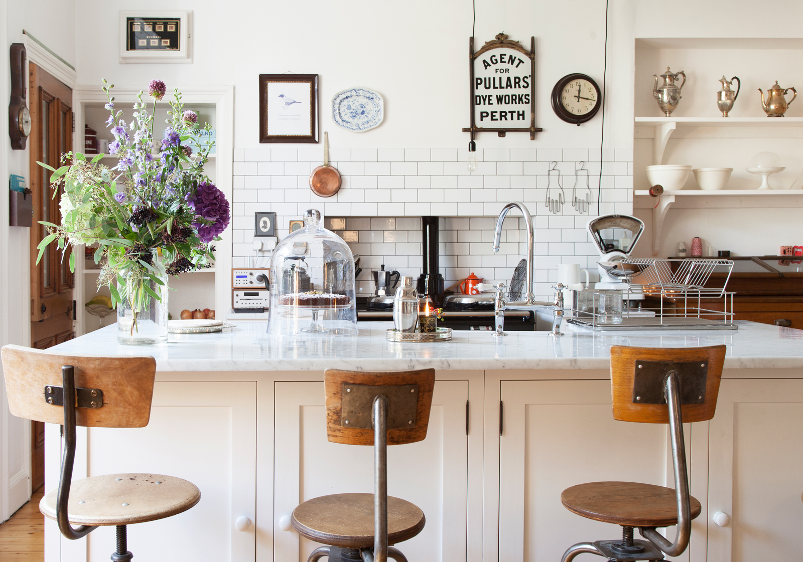 White+Edwardian+kitchen+with+vintage+bar+stools.jpeg