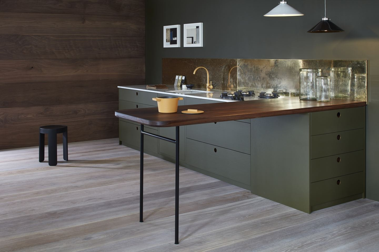 Naked-Kitchens-The-Ladbroke-kitchen-in-dark-green-with-gold-accents-sml.jpg