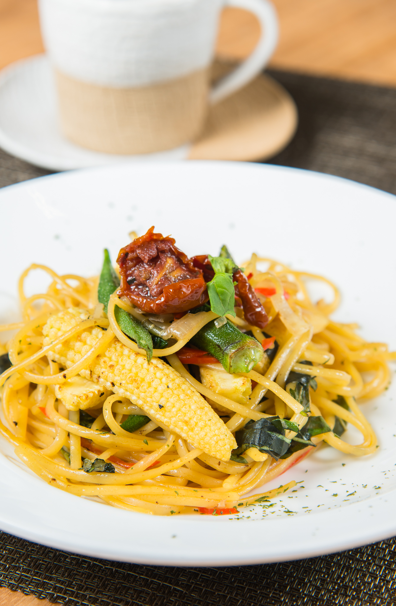 aglio e  olio linguine with sun-dried tomato & okra
