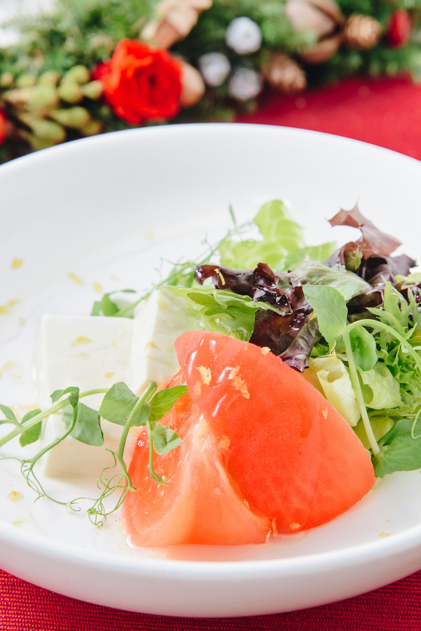 檸檬話梅浸蕃茄, 豆腐沙津 配檸檬汁  preserved lemon plum juice tomato, tofu salad with lemon dressing