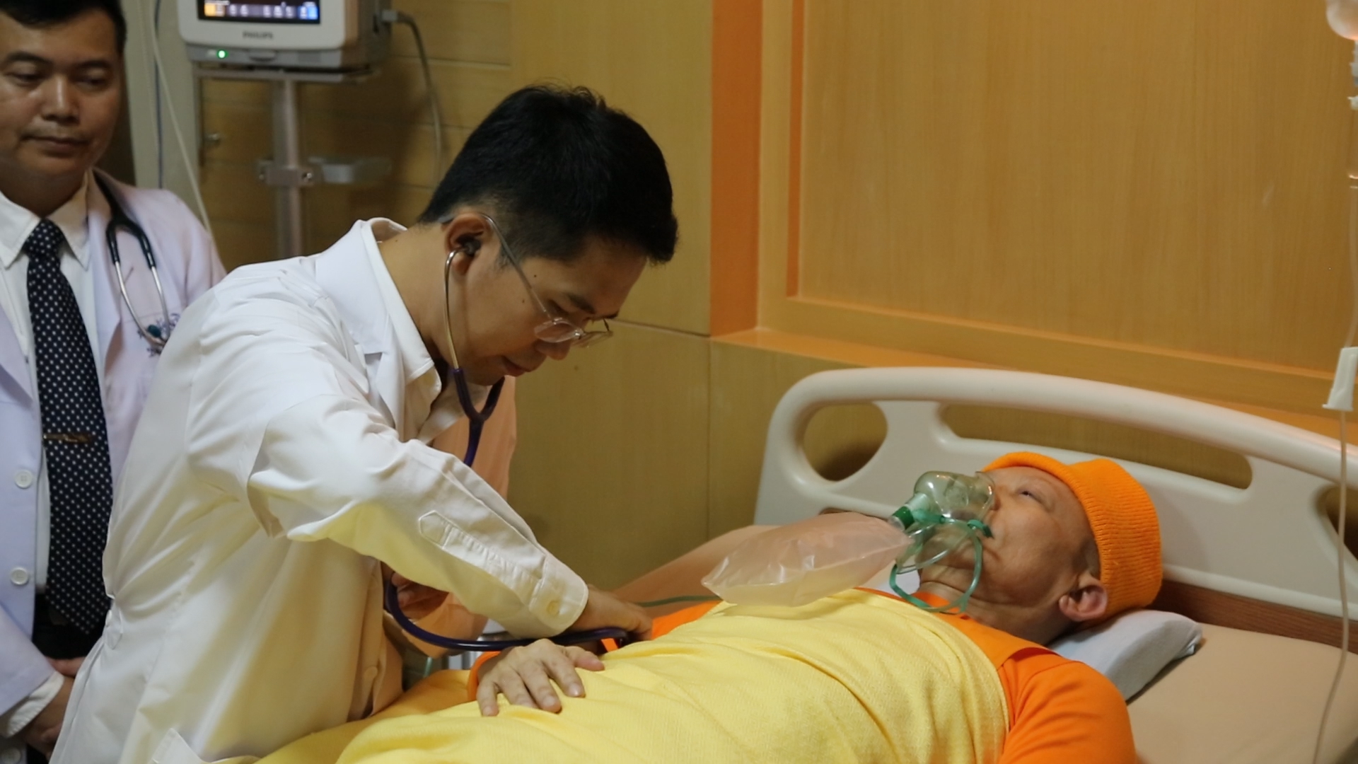 Physician performs medical examination of MV Dhammajayo on May 14, 2016