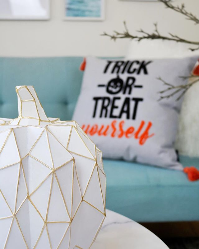 Halloween is becoming one of my favourite holidays, so much so I brought themed decor 🎃 ⠀⠀⠀⠀⠀⠀⠀⠀⠀⠀⠀⠀⠀⠀⠀⠀⠀⠀⠀⠀⠀⠀⠀⠀⠀⠀⠀⠀⠀⠀⠀⠀⠀⠀⠀⠀⠀⠀⠀⠀⠀⠀⠀⠀⠀⠀⠀⠀⠀⠀⠀⠀⠀⠀⠀⠀⠀⠀⠀⠀⠀⠀⠀⠀⠀⠀⠀⠀⠀⠀⠀⠀⠀⠀⠀⠀⠀⠀⠀⠀⠀⠀⠀⠀#interiordesign #interiors #homewares #homestyle #homedecor #interiorstyling #colourmehappydecorating #myhomestyle #interiordecorating #homeinspo #interiorinspo #beautifulhomes #interior4all #designinteriors #roomforinspo #apartmenttherapy #interior2you #interiorstylist #halloween #tkmaxx