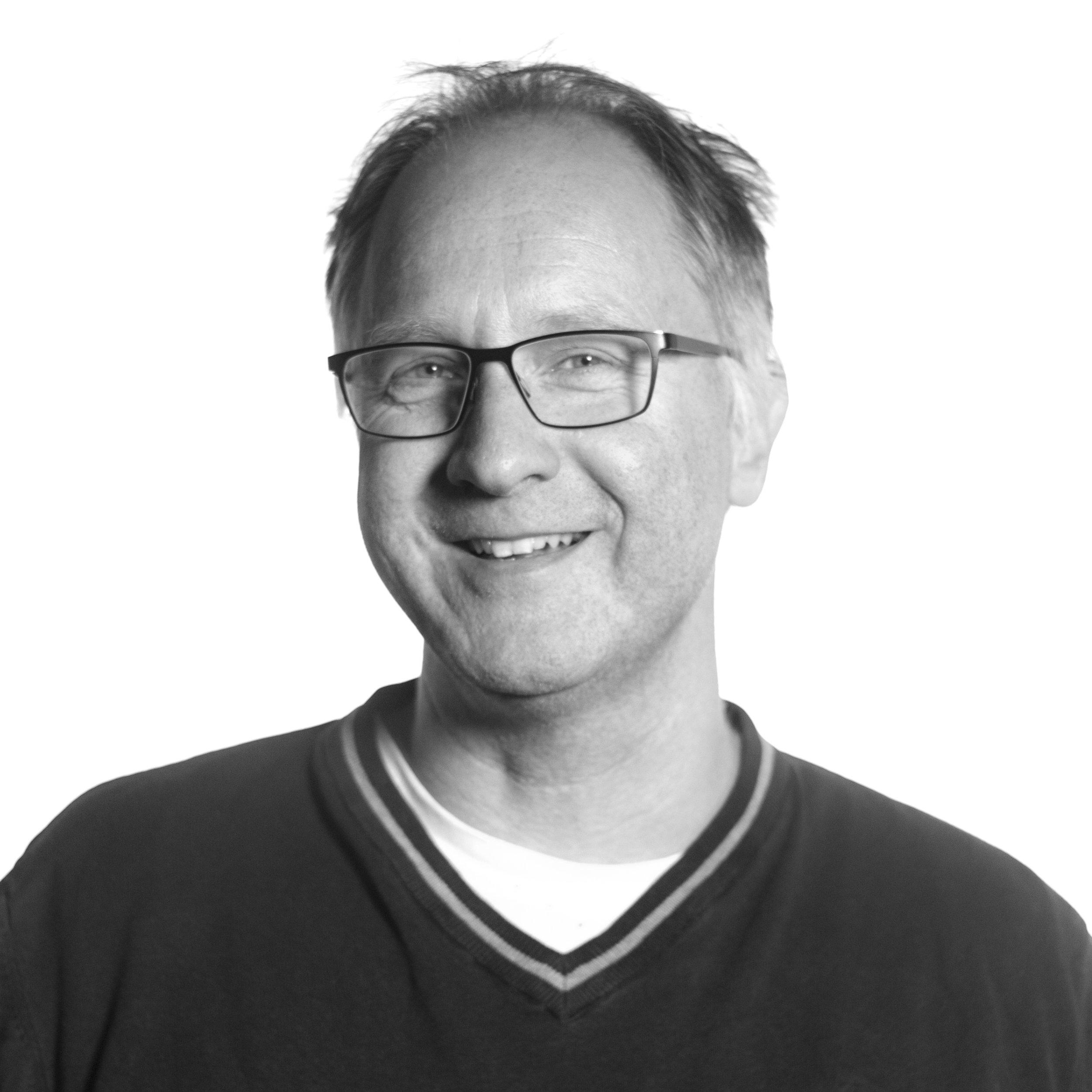 Fredrik Forssman Tlf: 776 97 870  E-post   Leder for Tvibit Musikk, Kofor og bookingansvarlig for Kysten Studio.