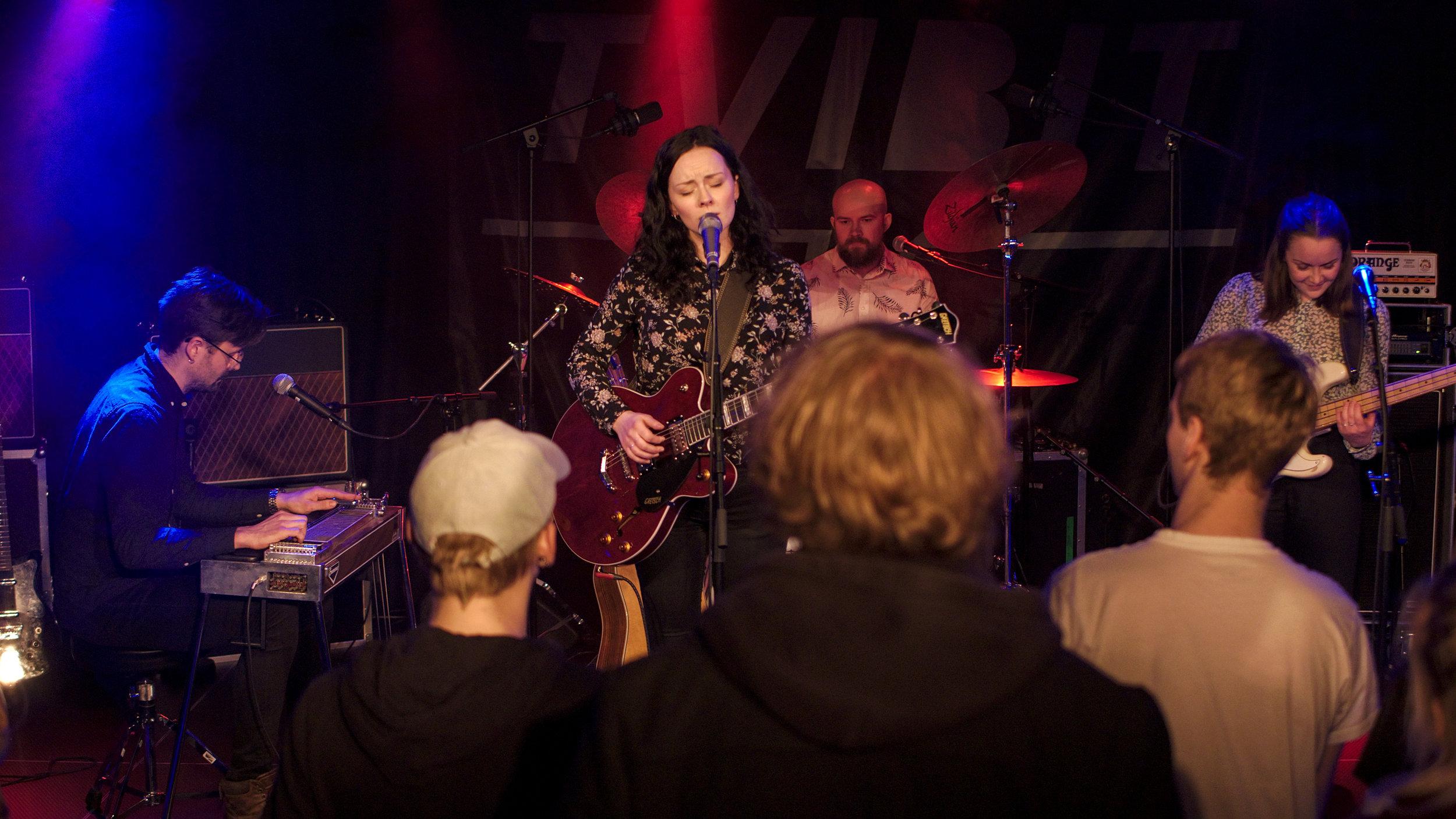 Hollow hearts konsert på Tvibit 12.12.18
