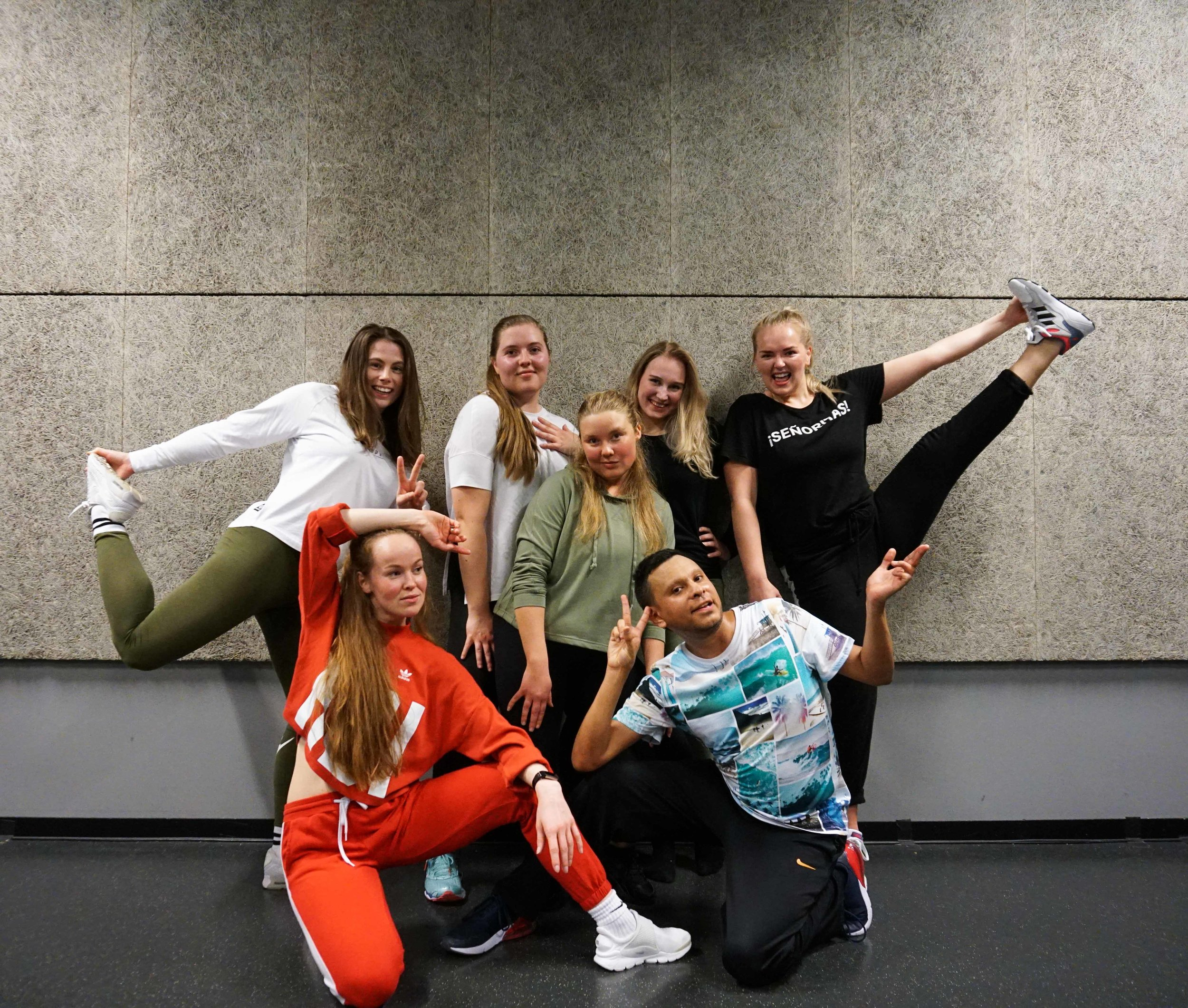 Female dancehall workshop