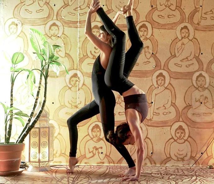 Yoga Partner Pose.png