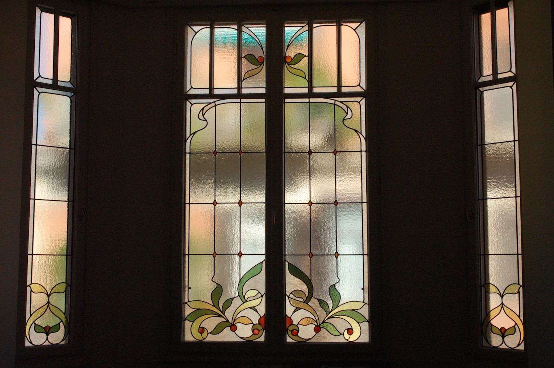 bowindow-stainedglass-floral-handmade.JPG