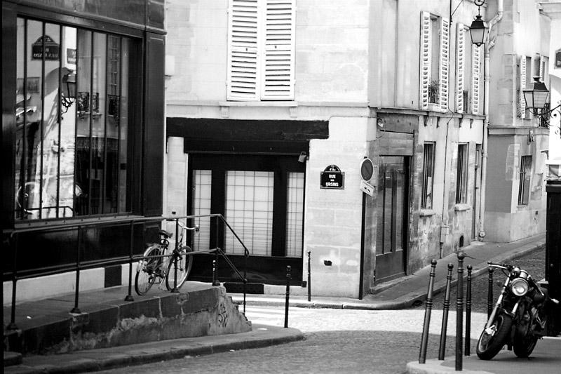paris-private-home-stainedglass-geometric-handmade.jpg