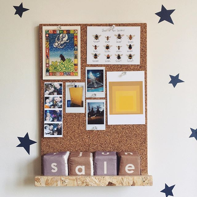 It's cute and also scary how much our kids take after us sometimes don't you think? I put some shelves and this cork board up in my sons bedroom today and I decided to hang some of his @instaxhq photos he's taken. Notice he's photographed the @mustardmade locker that I also love to photograph 😂! He also tells me all the time he's going to be an artist and a shopkeeper. His favourite game ATM is dinosaur 🦕 museum giftshop. I wonder if his shop has a sale on as well? #kidswillbekids #kidsstufftolove #kidsdecoration #kidsbedroomdecor #nurserydecor #sensorytoys #alphabetblocks #learningtoys #learningthroughplay