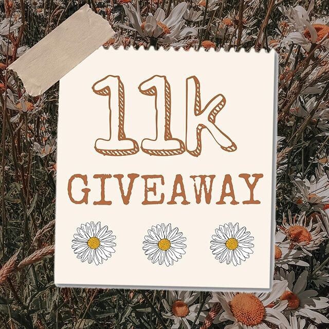 So my lovely friend @a.b.and.me is hosting a give away to celebrate the milestone of 11k followers! Find this post on @a.b.and.me 's grid for all the details on how to enter!! Together, with several other small shops we are giving YOU the chance to win  Some amazing products across 6 stores including-  @toomanypjs - £50 store credit.  @littlefeathercompany - choice of baby vest/tee or adult tee.  @starandbean - £50 store credit. @munksandme - A3 print of choice. @smallhausenstore - baby wrap of choice.  @novell_designs - 1 person illustration.  For extra entries: Tag more friends!  Share this image to your story tagging @a.b.and.me  T&C: giveaway open to UK & Europe only. Giveaway closes 25th July, winner will be picked at random and announced shortly afterwards. Good luck! Ps- I wish I could win 😂