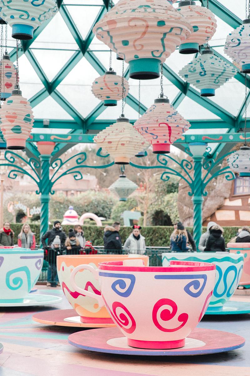 Chen Sands Paris Photographer Disneyland in Winter Engagement 9.jpg