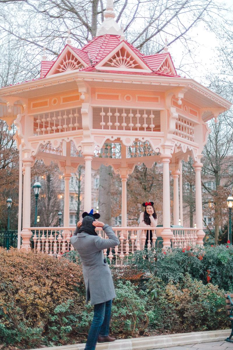 Chen Sands Paris Photographer Disneyland in Winter Engagement 26.jpg