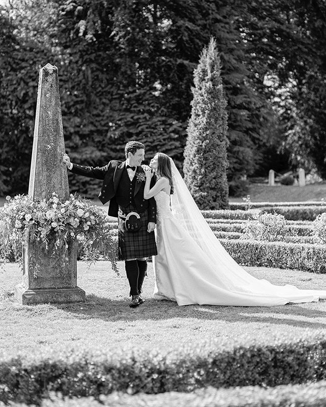 Ahhhh these two!! Sooo much love to you both on your one year anniversary today.  So stylish a wedding and with a family that brims with love. and I still dream about going back to Scotland - definitely going to make that happen! #scottishbrideandgroon #donttheylookfabulous