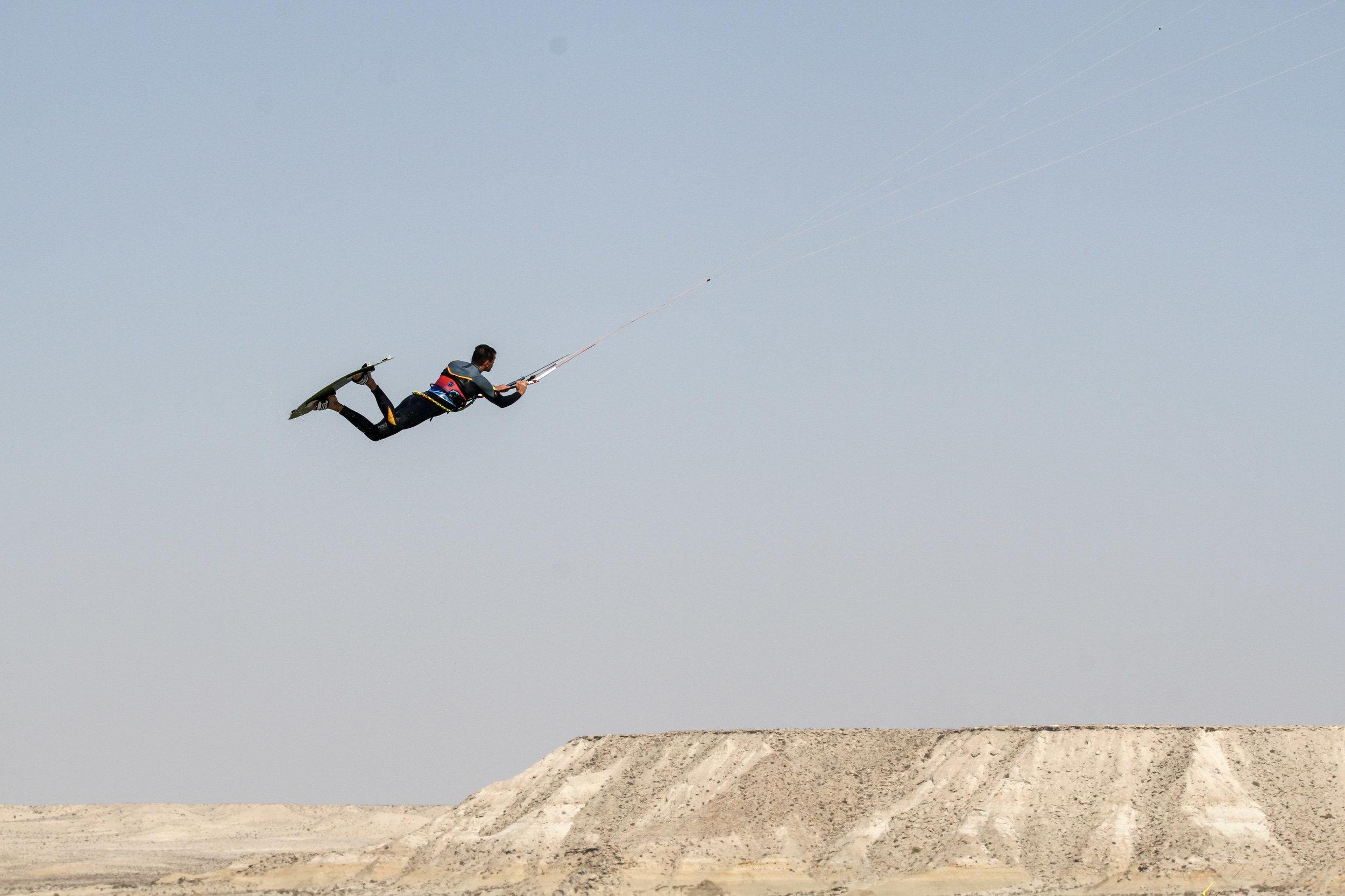 Dakhla trip : Kite control.jpg