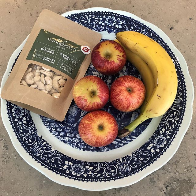 Healthy summer snacks #frugt #cashews #organic #gurusnack 😍