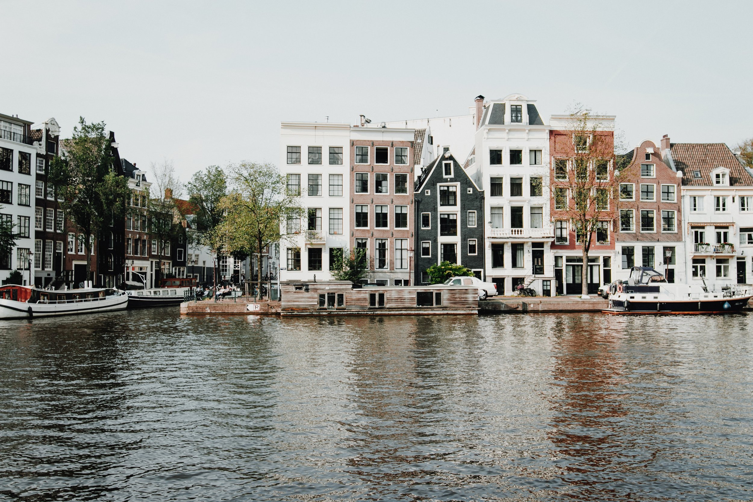 Let the picturesque Amsterdam canals be your fishing ground!