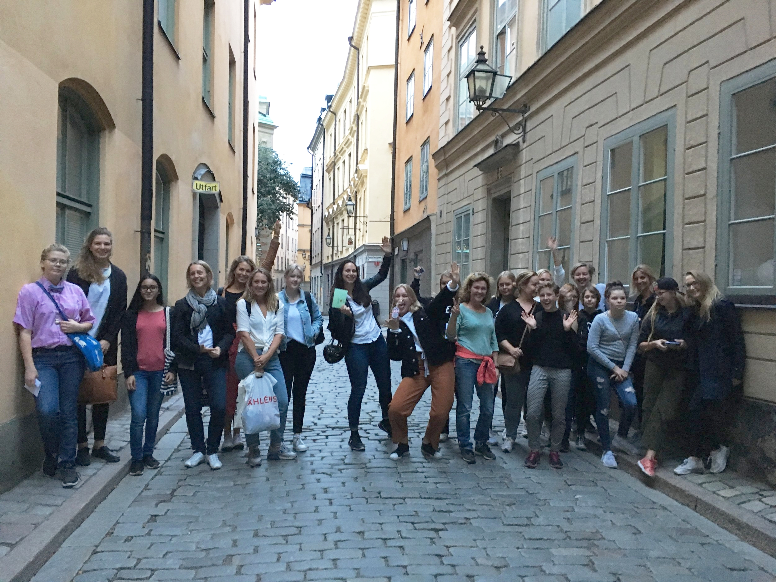 Teams from Mentor SE play the 100 Point Challenge in Stockholm