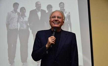 Angelo Gaja conferenziere sull'Etna - foto di Gianni Paternò, Cronache di Gusto