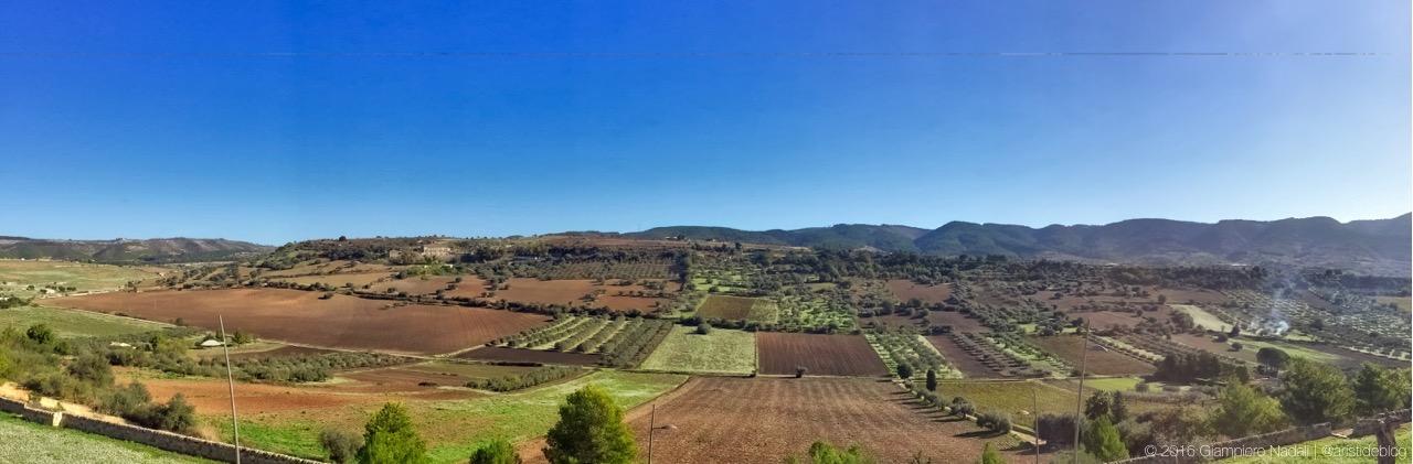 Le colline nei pressi di Chiaramonte Gulfi