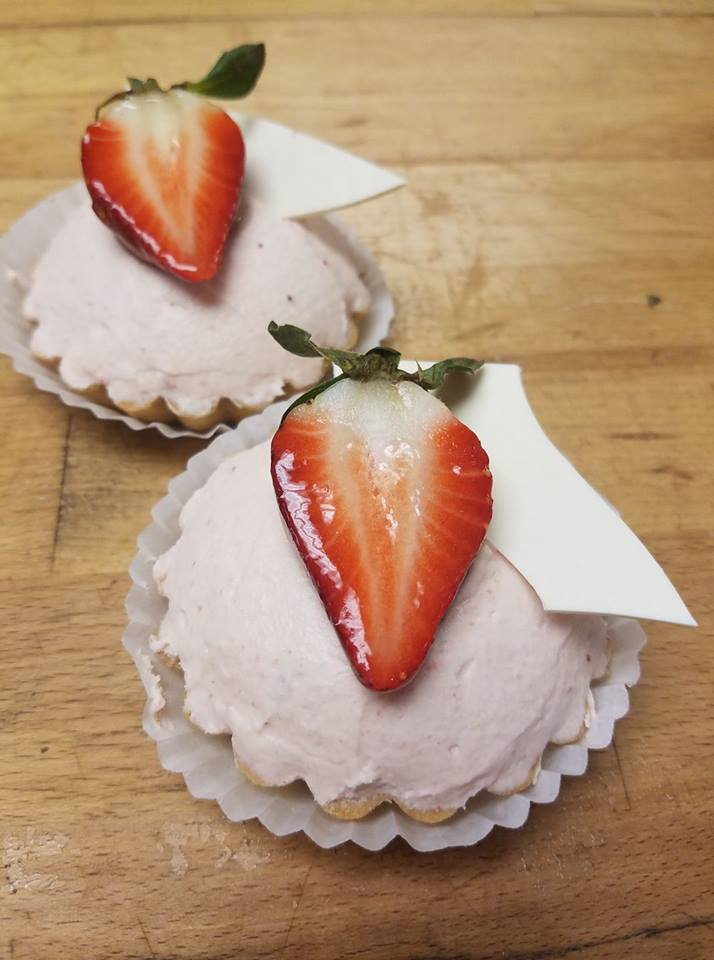 Strawberry Diplomat Tarts