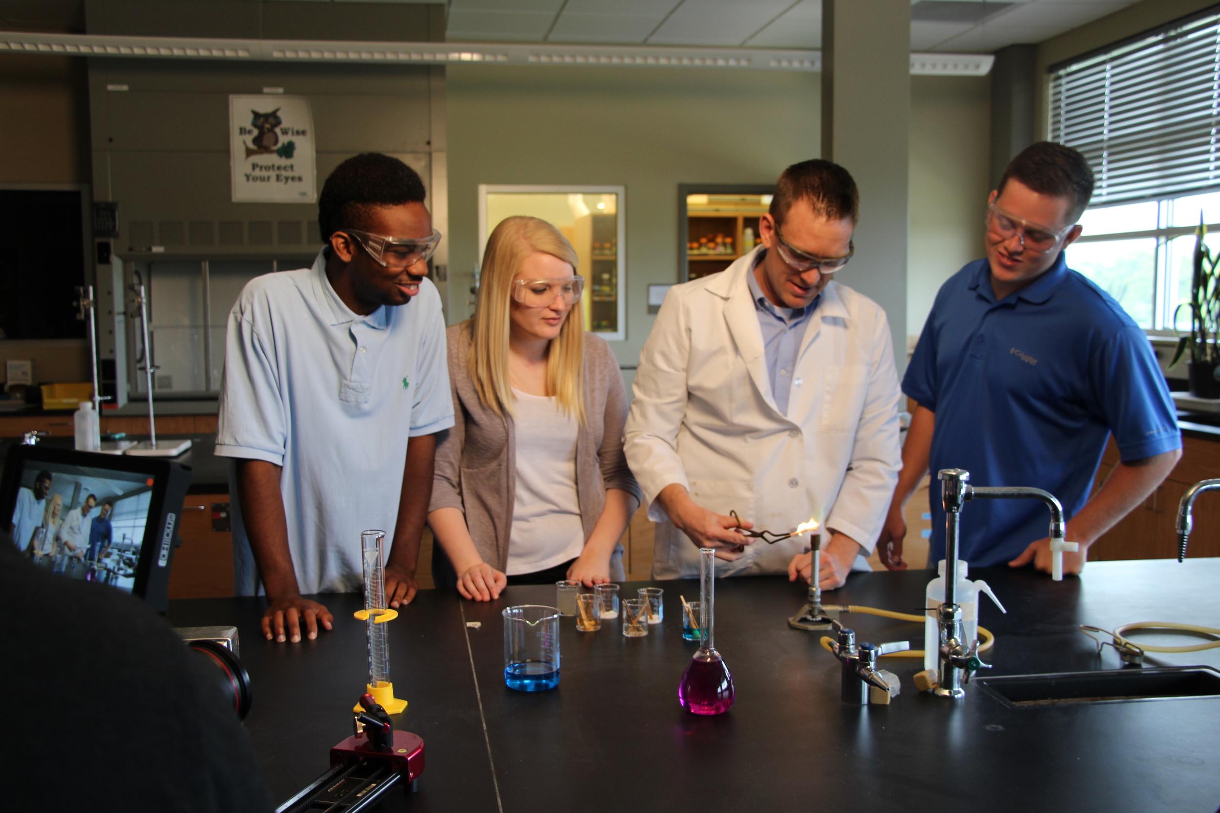ASUB ScienceClass.JPG