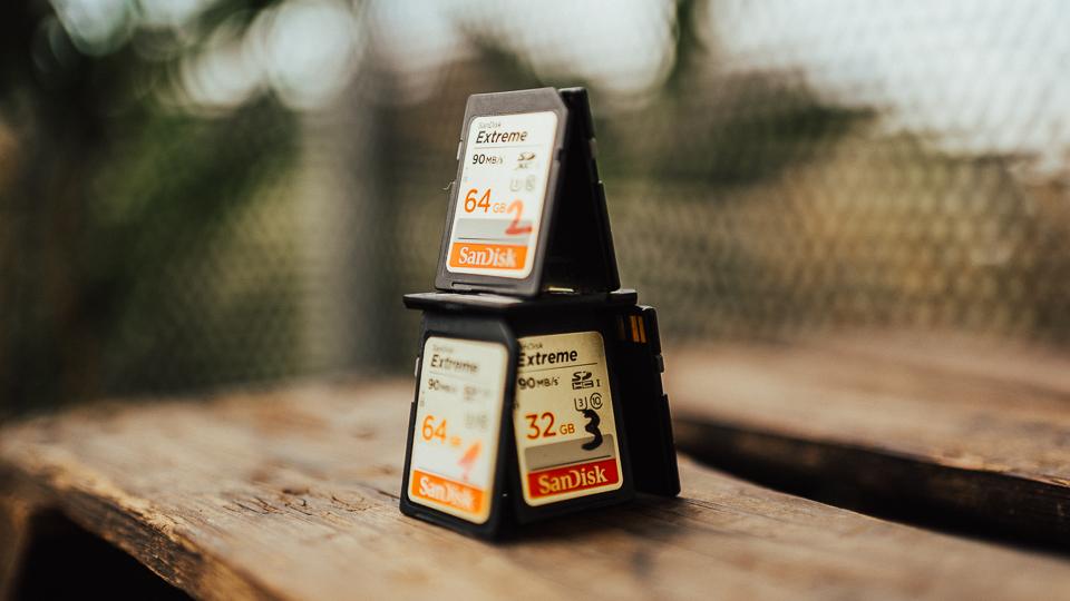 Tyhle zlatý Sandisk Extreme karty jsou dobrý, ale už jsem přešel na černý Extreme Pro. Jsou rychlejší!