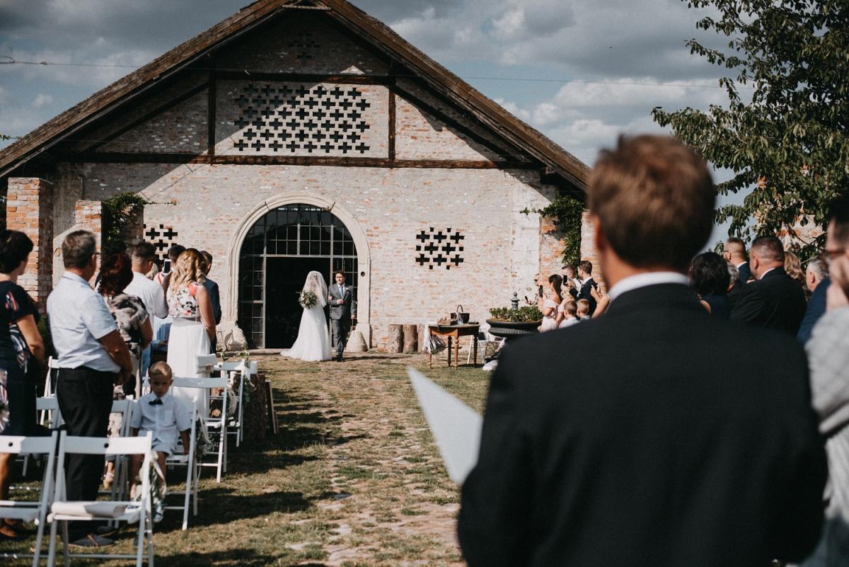 svatba stodola suška