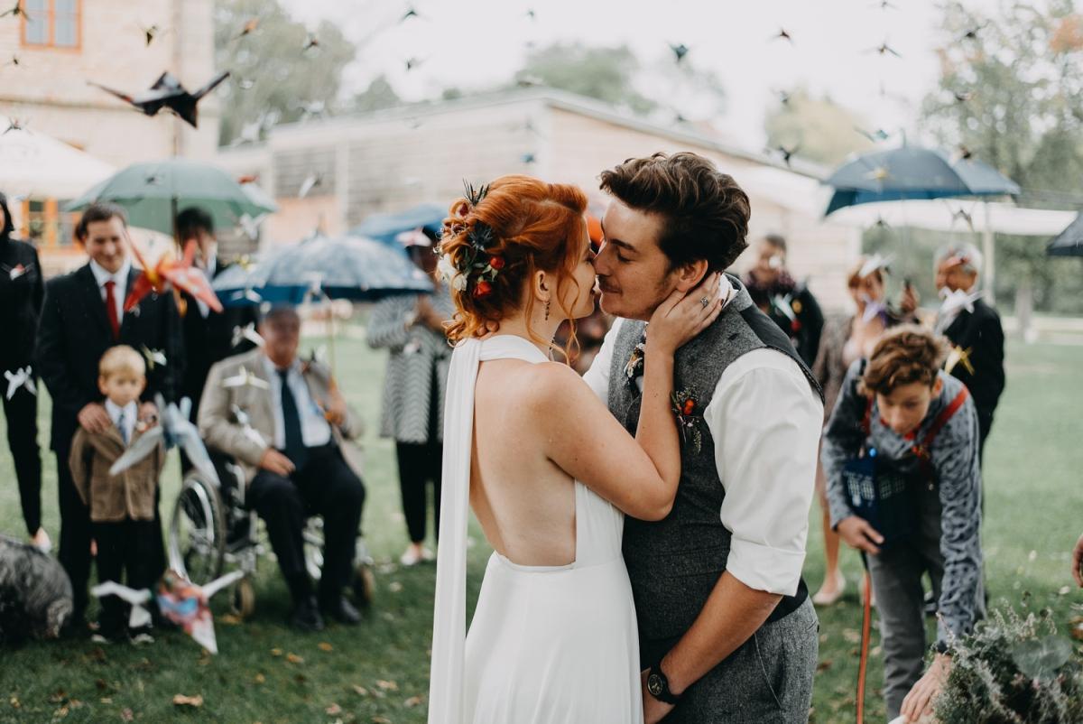 svatební obřad v dešti