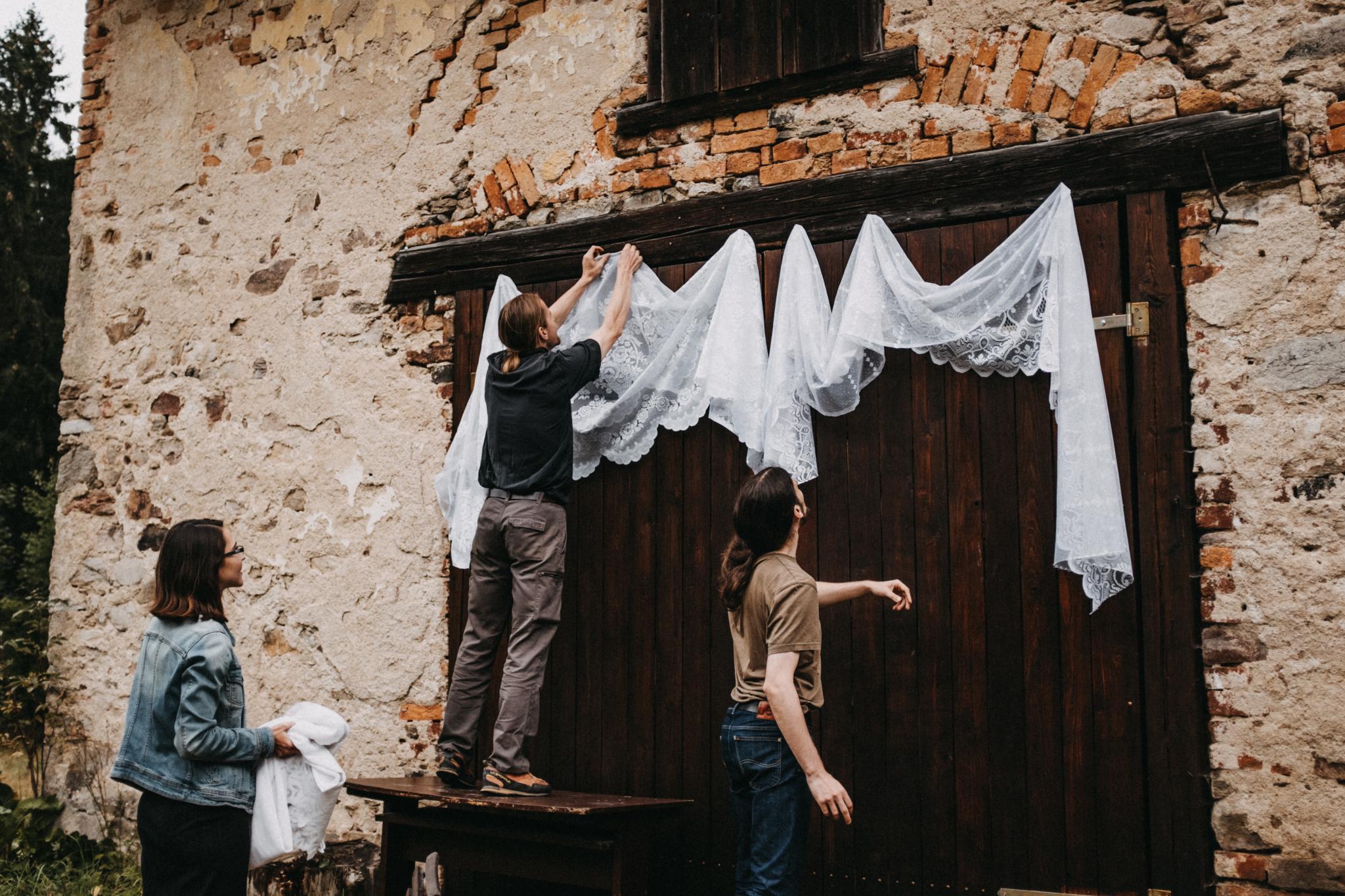 výzdoba svatby venku
