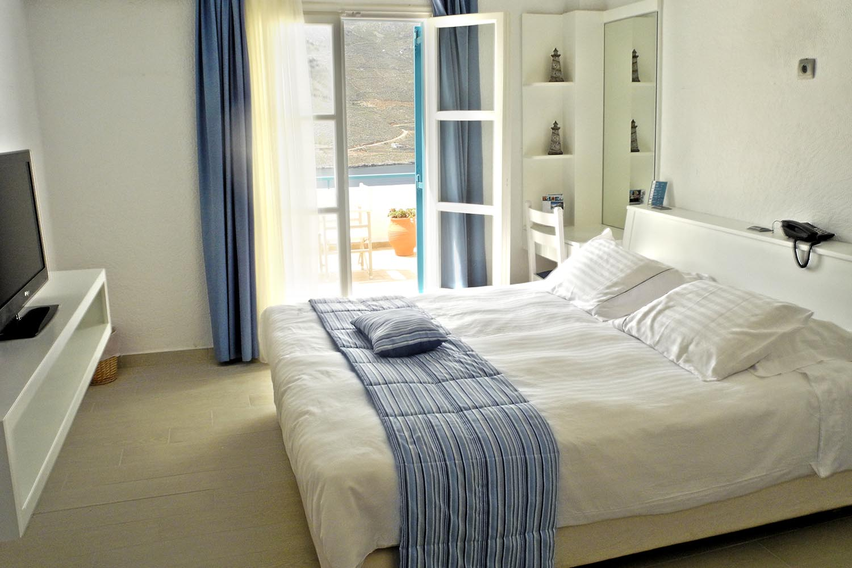 aegialis standard room - amorgos.jpg