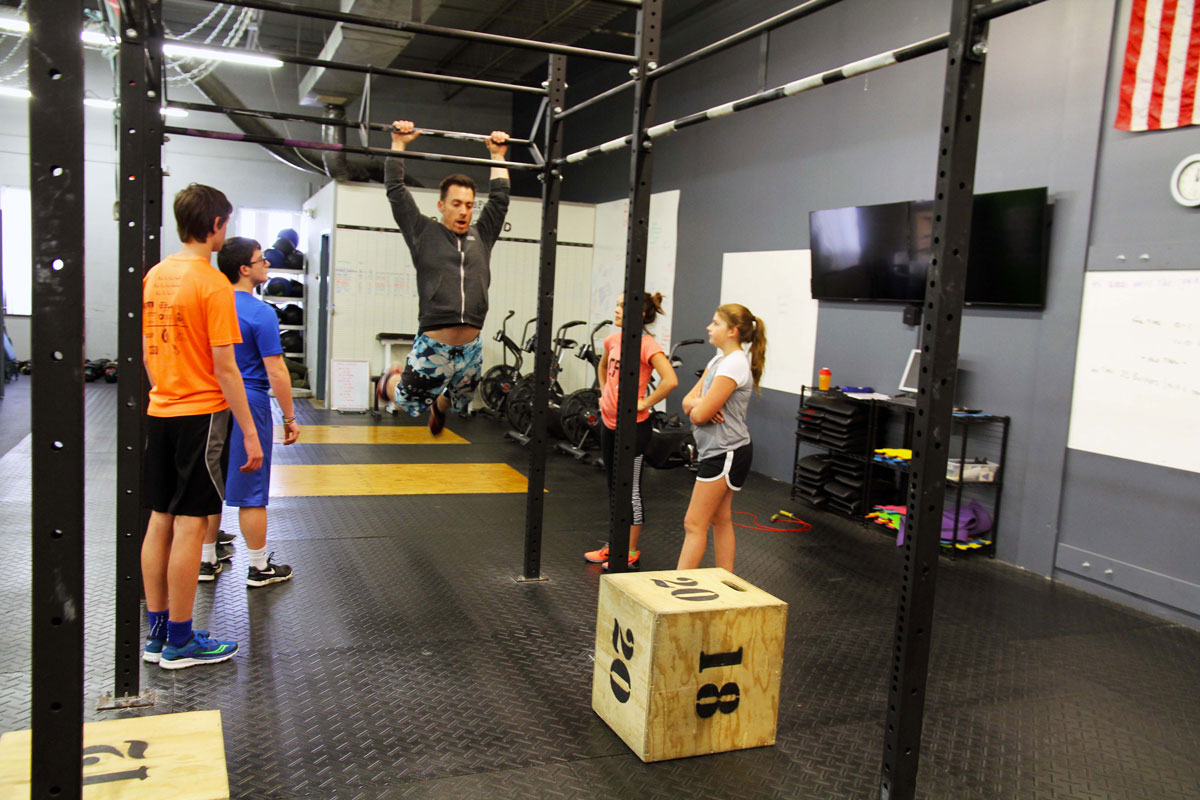 CrossFit-Mantra-teens_coaching_3.jpg