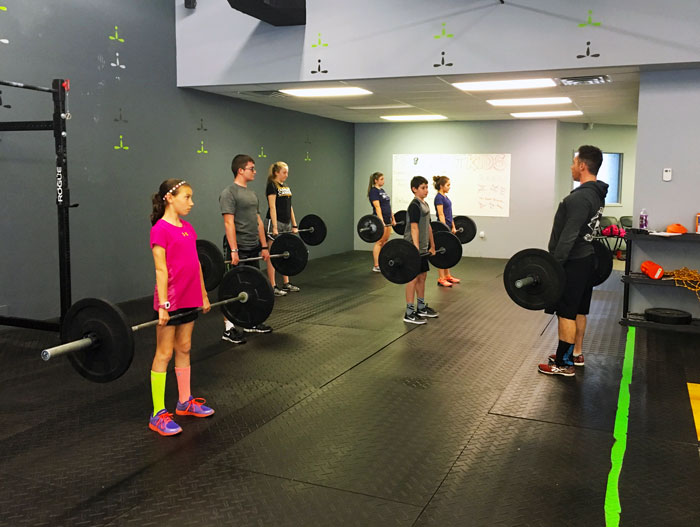 CrossFit-Mantra-teens-deadlifts.jpg