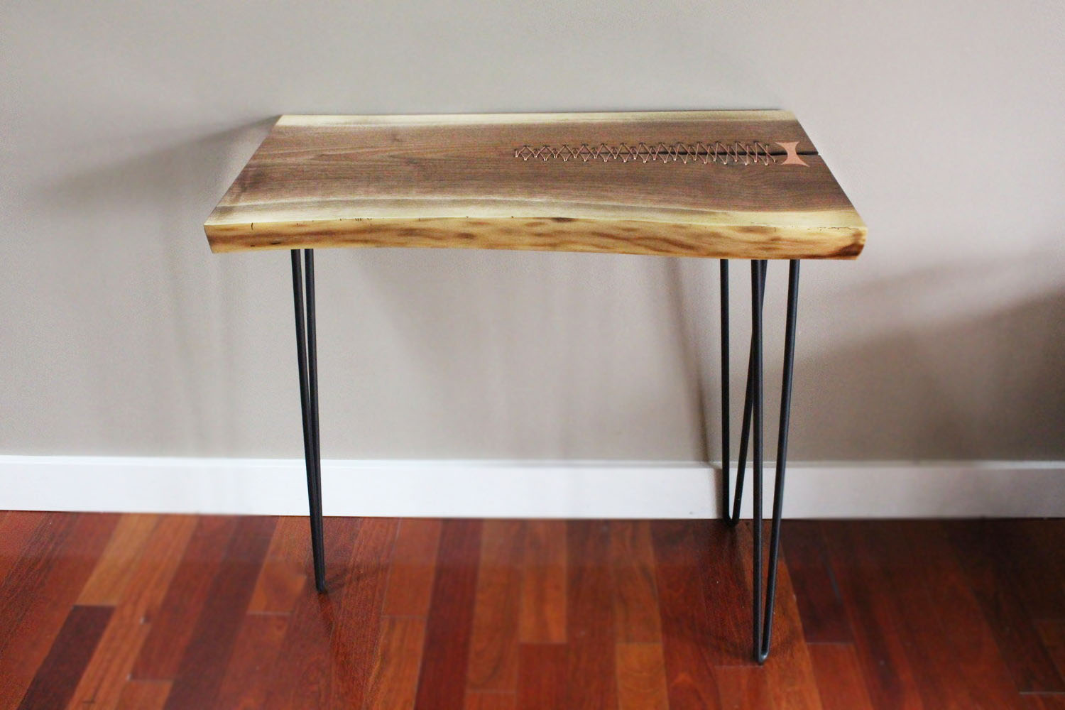 Copper stitching walut table