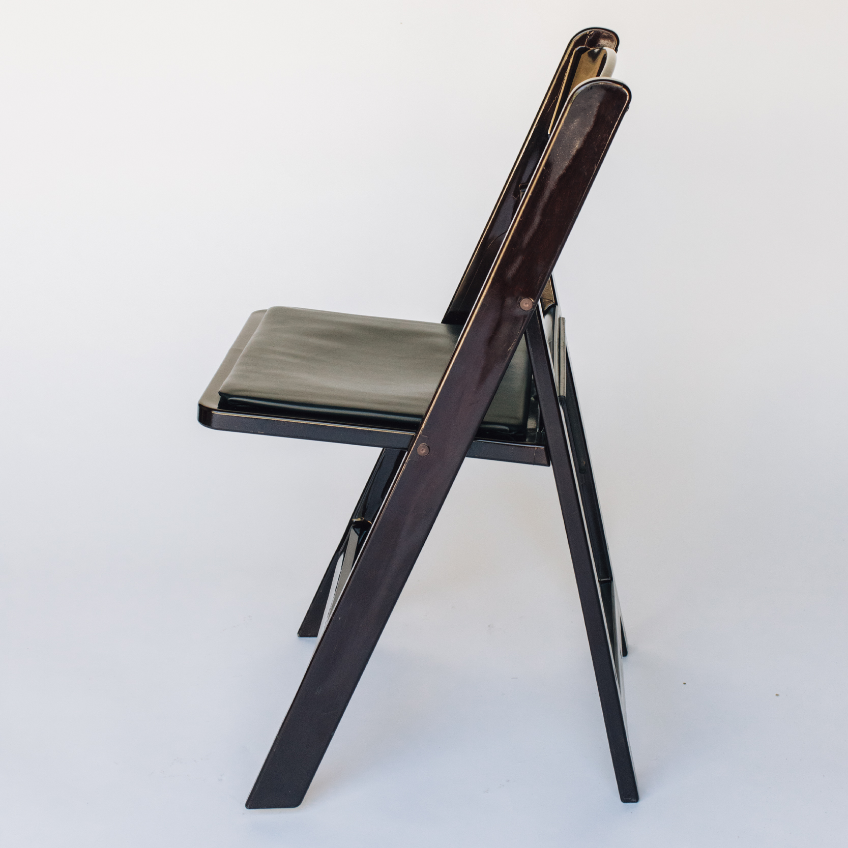 CHAIR_BROWN_2.jpg
