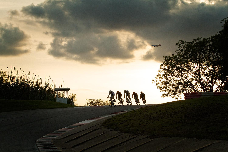 cycling1w.jpg