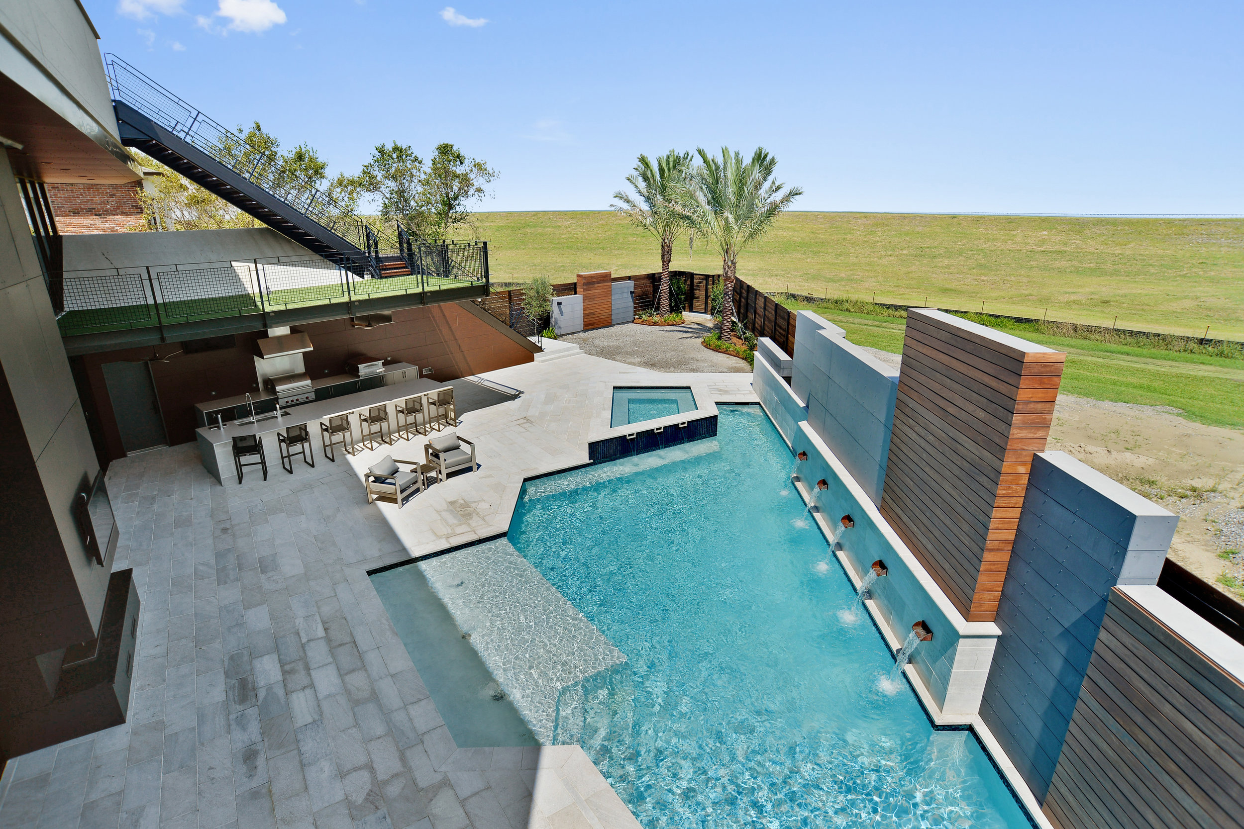 Modern Pool and Outdoor Kitchen